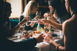 how to set up your own last minute wine tasting party with other moms