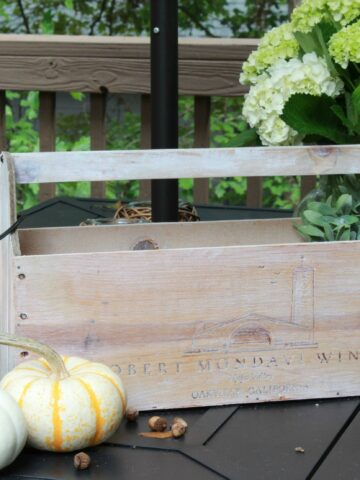 DIY Farmhouse Tool Caddy made from a repurposed wine crate! #farmhousedecor