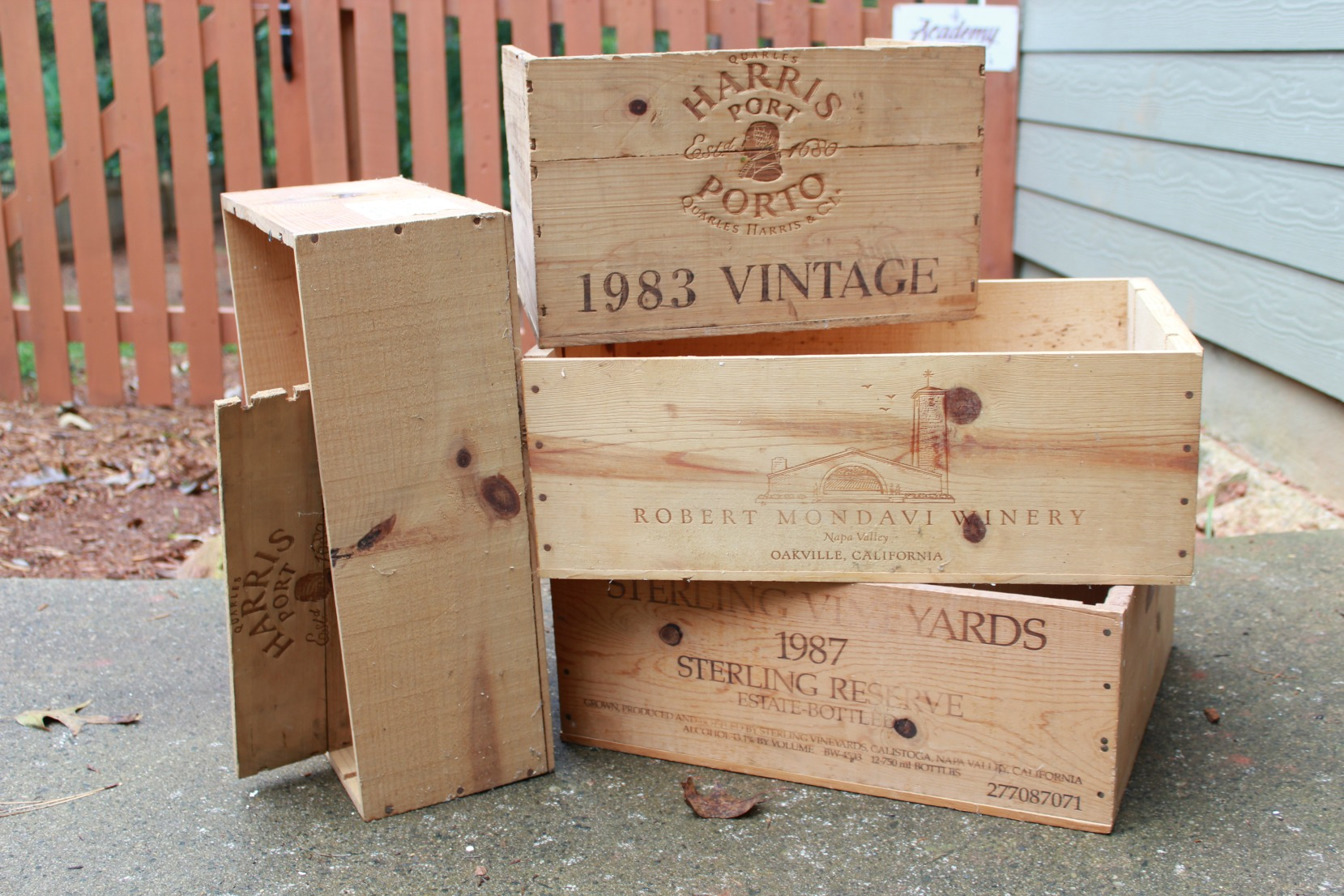 The starting point for 6 different wine crate repurposed projects