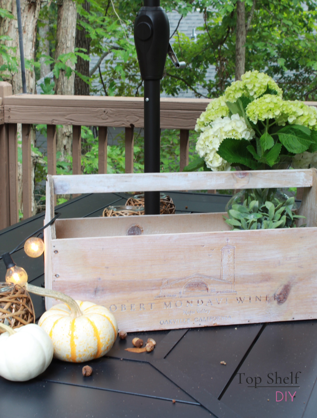 Make a farmhouse tool caddy and four other projects this Christmas! #giftguides #toolcaddy
