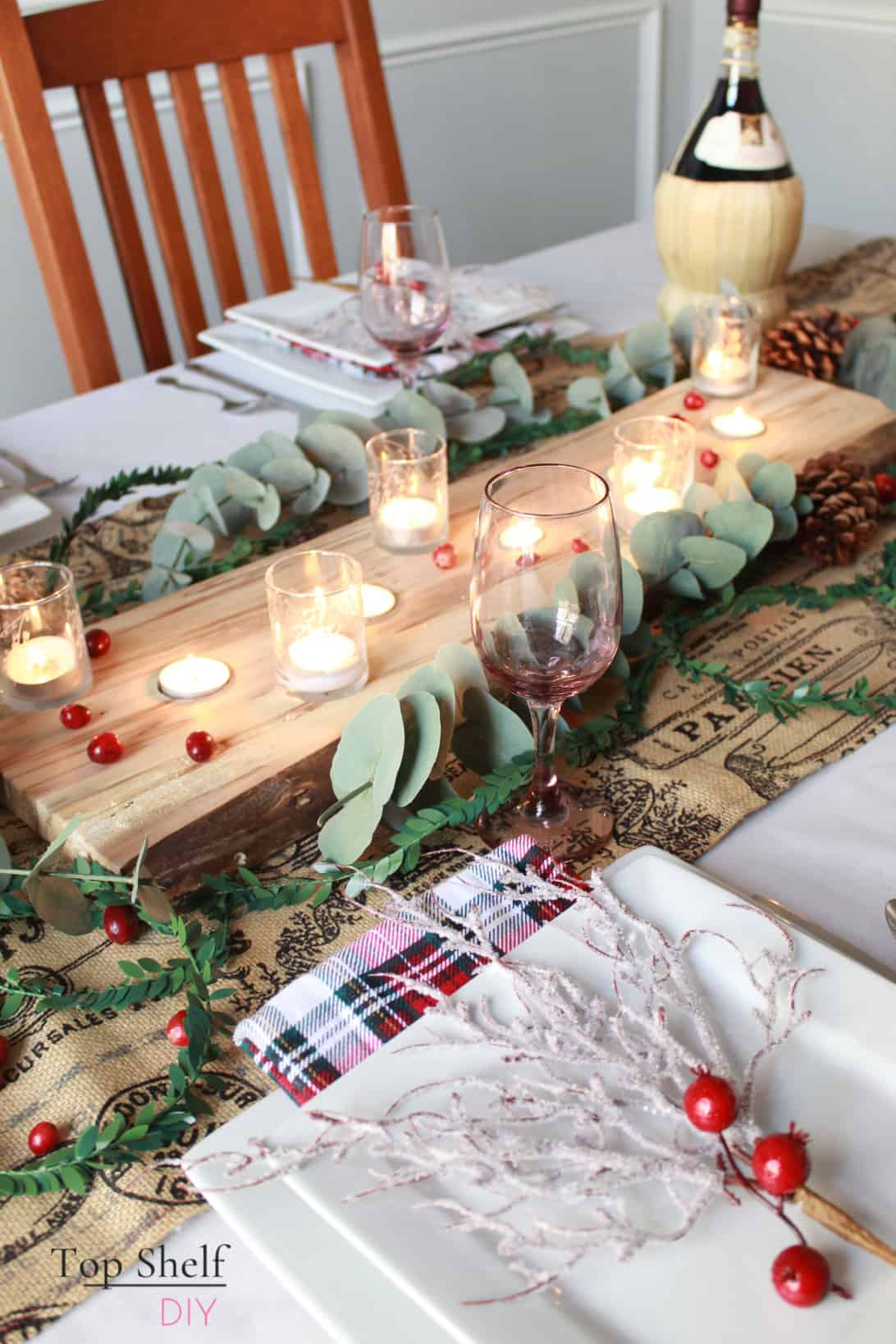 Learn how to make this candle holder and 4 other Christmas wood projects this season. #woodgifts #woodworking
