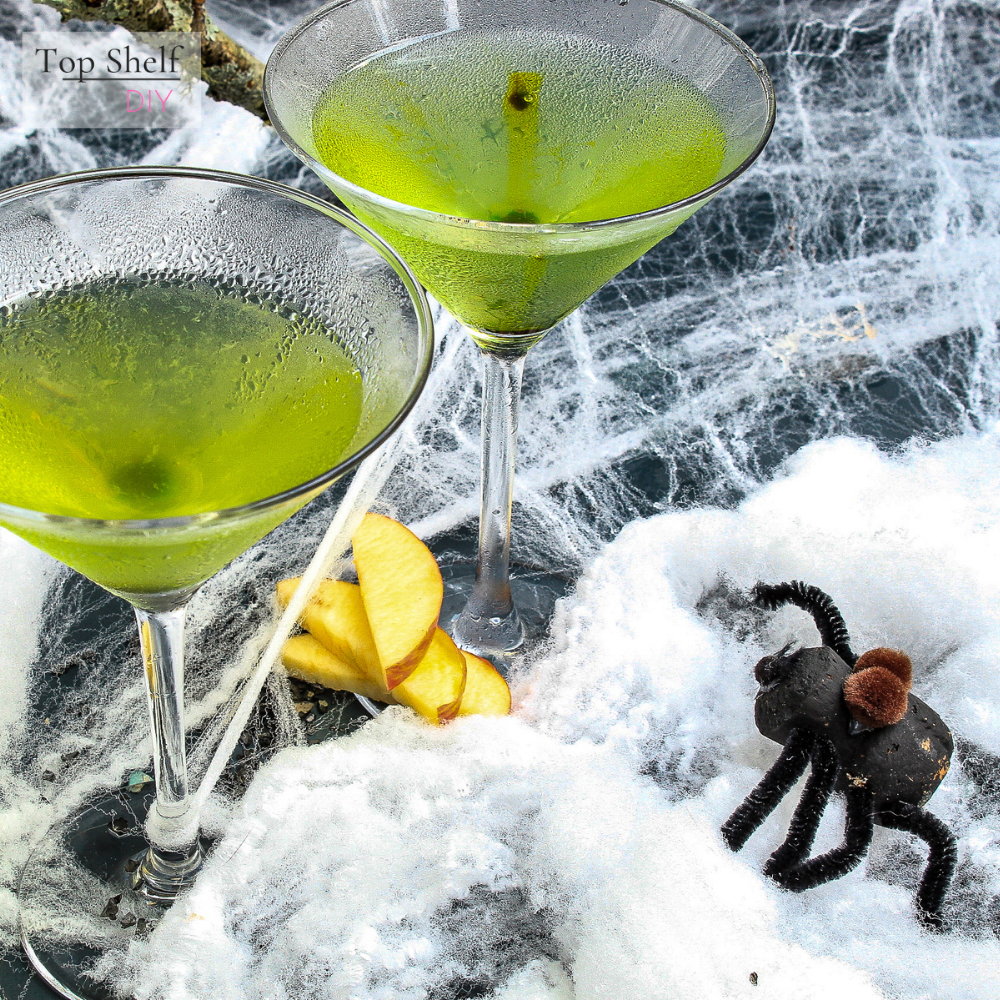 One whiff of this poison apple martini, and cocktail hour will never be the same. Get the recipe for three Halloween Cocktail appletini variations. #Halloweentreat #Basiccocktailrecipes #Cocktailalcohol #Cocktailsmixology #Gotcocktails #Cocktails and pretty drinks #Drinksandcocktailrecipes #Halloweencocktaildrinks #HalloweenPartyFood