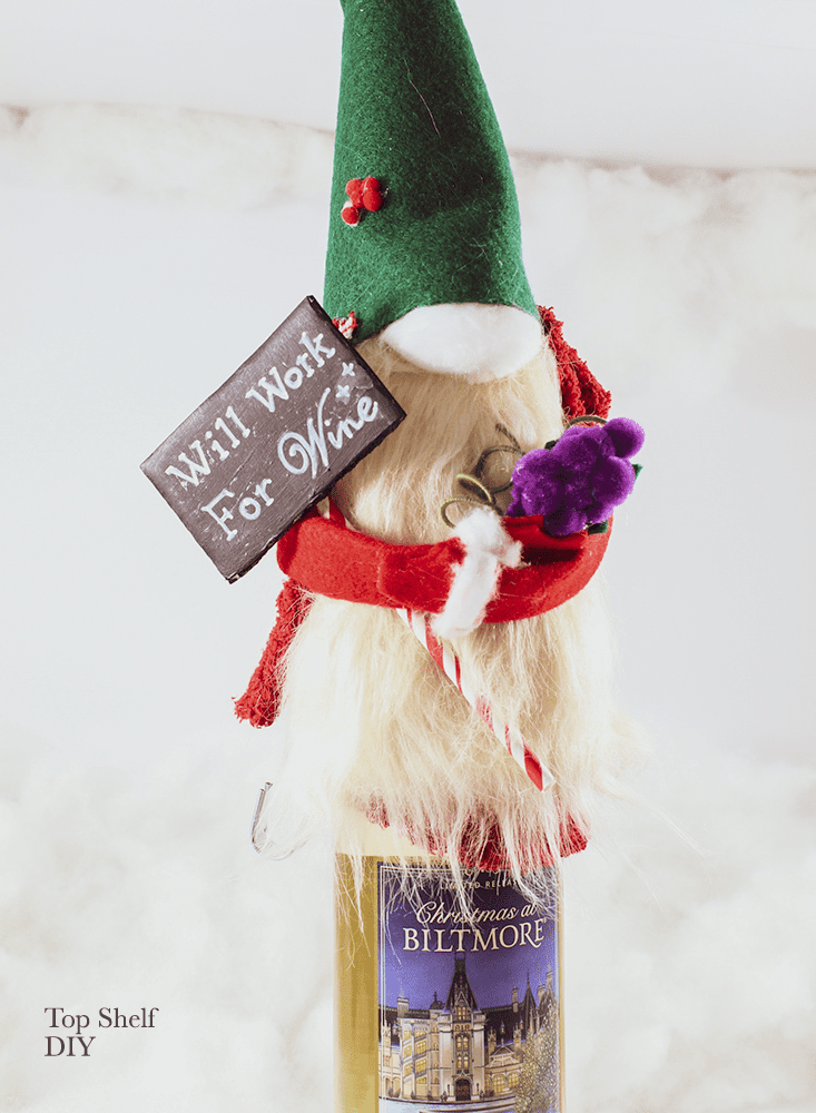 Need of a drinking buddy over the holidays? Learn how to make these adorable wine topper gnomes, which are great to give as gifts. Bring the Swiss Alps right to your kitchen with this felt project.
